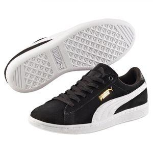 Puma Women's Vikky LowTop Black Sneaker Suede